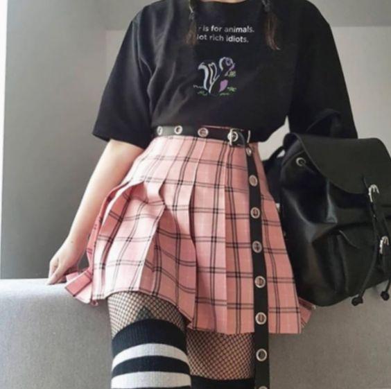 Fashion Trends Kawaii Creepy Cute Pastel Goth Lotus Laura